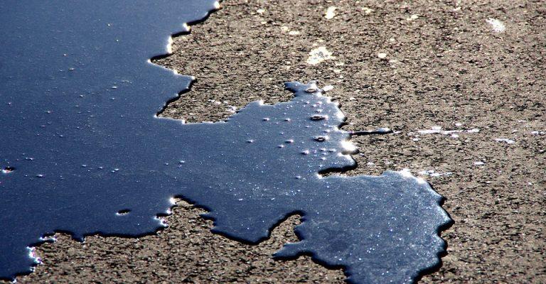 Macchia-olio-asfalto